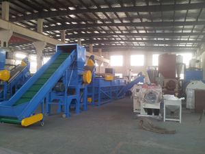 Waste PET plastic bottle hot washing crushing recycling machine